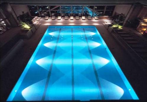 Chiếu sáng hồ bơi