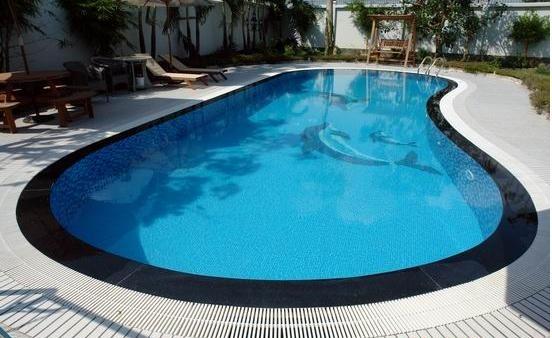 Mẫu hồ bơi sân sau nhà