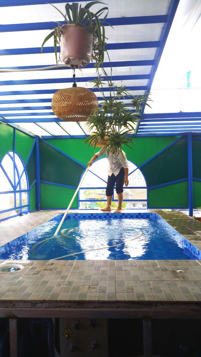 Vệ sinh hồ bơi Huế